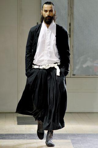 Versión japonesa del gaucho yohji yamamoto   ss2012