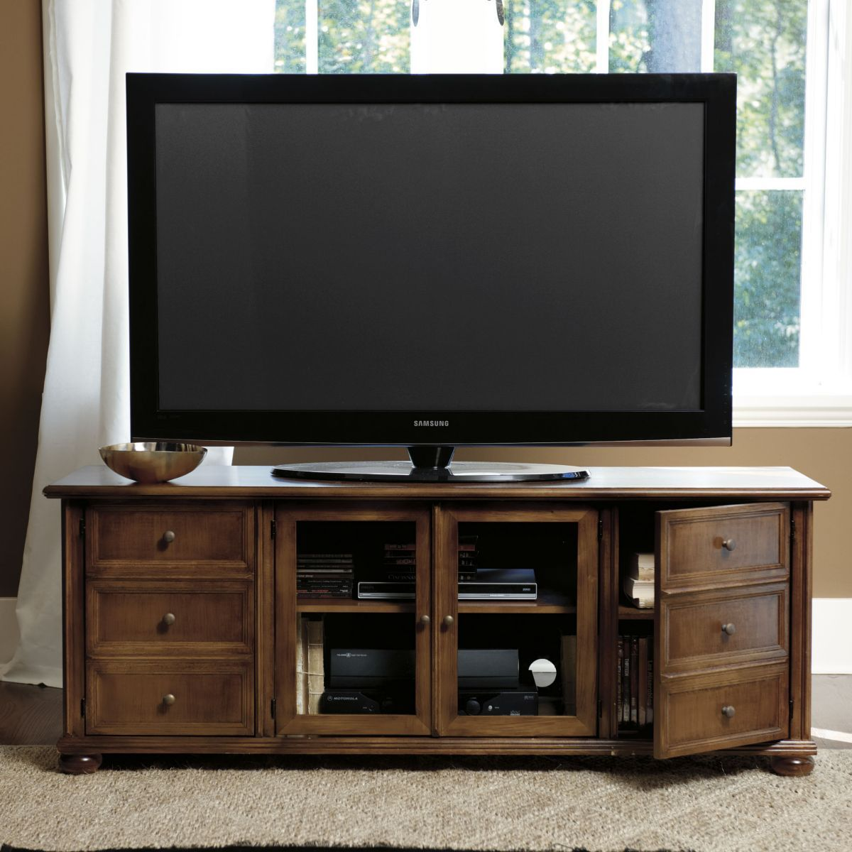 Vetrina 60 Inch Media Console Walnut Or Gray