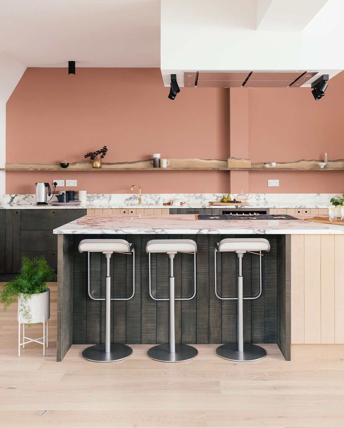 51 Inspirational Pink Kitchens With Tips Accessories To Help You Design Yours Kitchen Design Color Mason Jar Kitchen Decor Kitchen Decor Grey