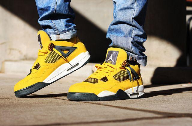 fe209e59369a86 Lightning 4s 🙌 Jordan 4