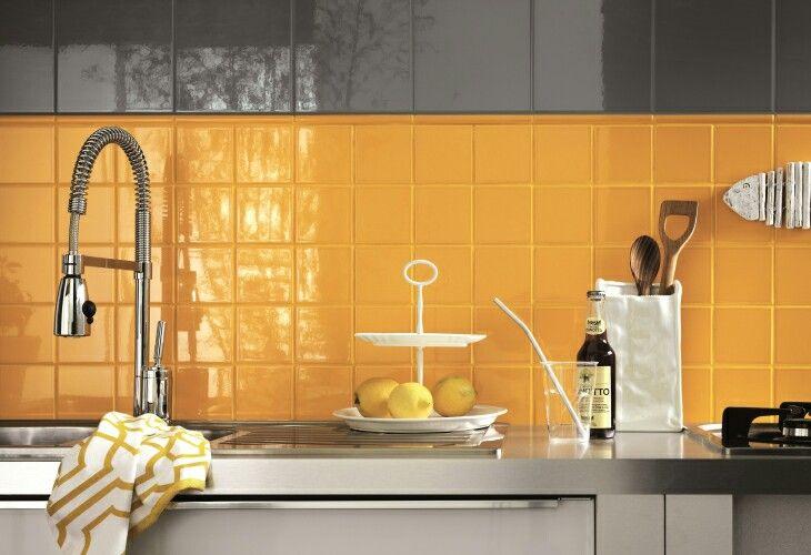 Piastrelle cucina formato 10x10 e 20x20 bianco lucido o - Piastrelle cucina 10x10 ...