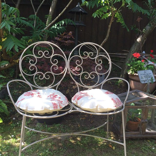 Round Cushions Perfect For Wrought Iron Chairs With Round Seat