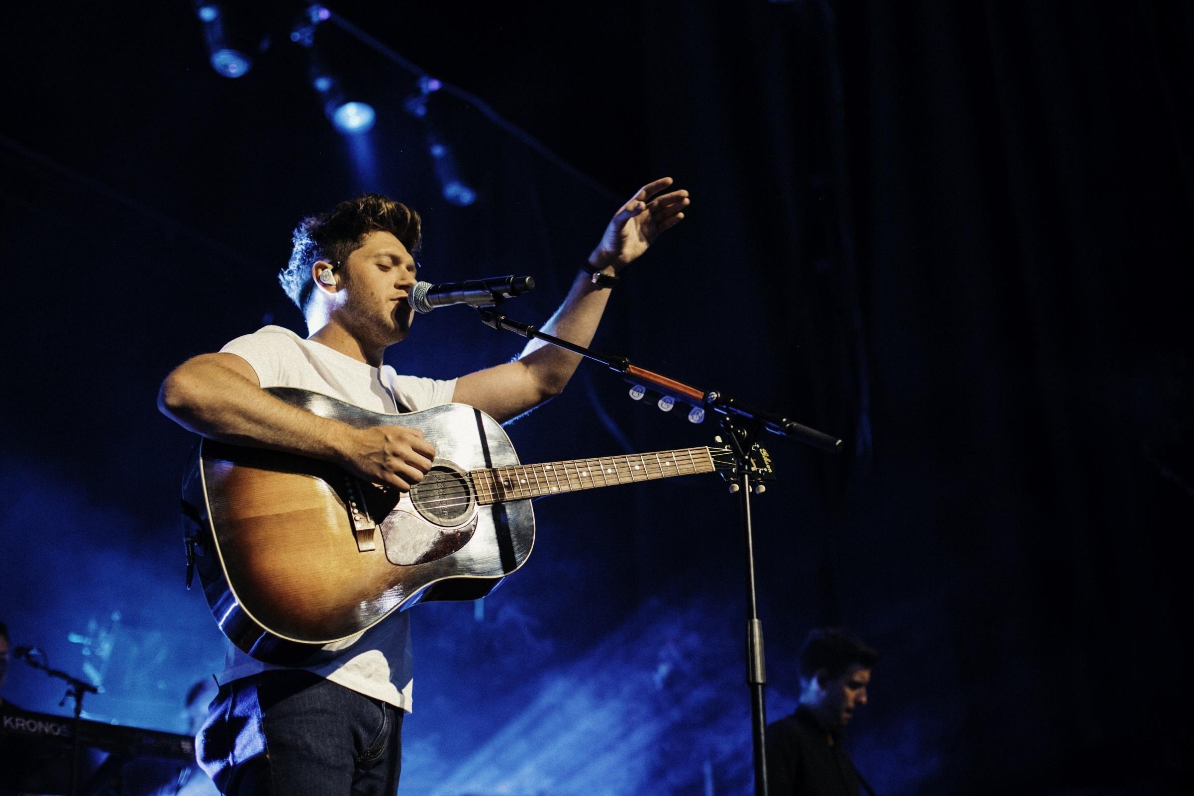 Tinley Park Jul 26 Niall Horan Flicker World Tour 2018 Tinley Park Niall Horan Irish Singers Brixton Academy