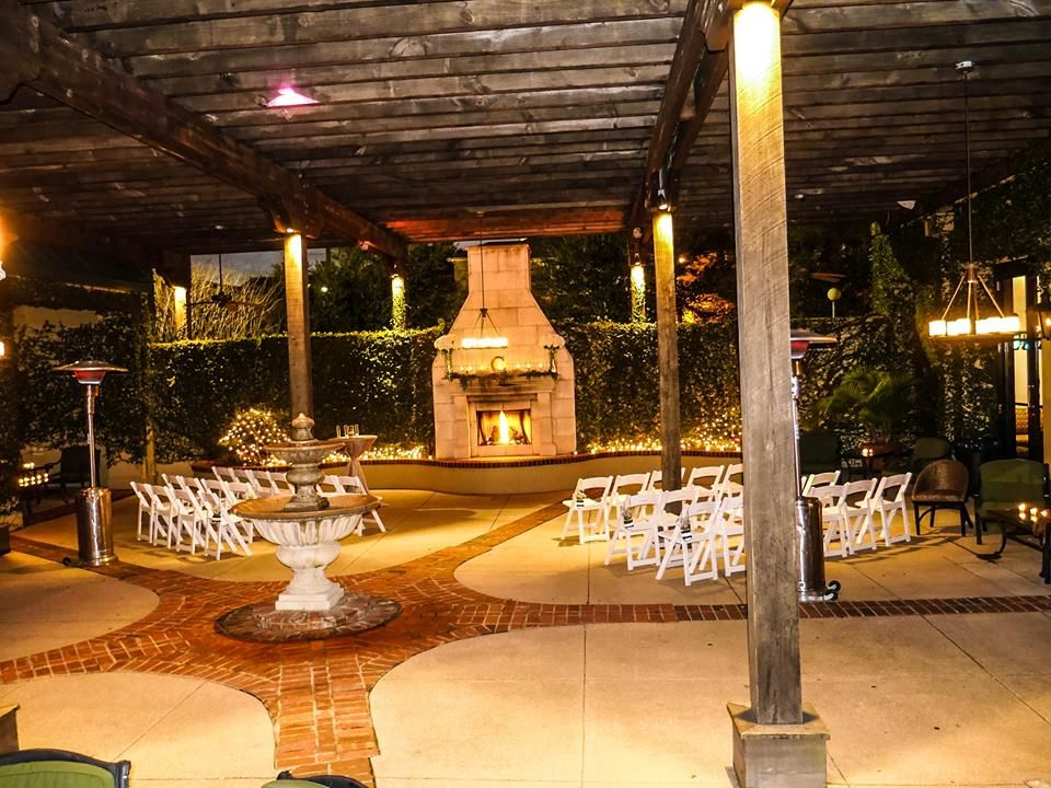 Courtyard By Night Set Up For A Ceremony Azalea Manor Wedding And Special Event Venue Mobile Al Azaleas Manor Event Venues