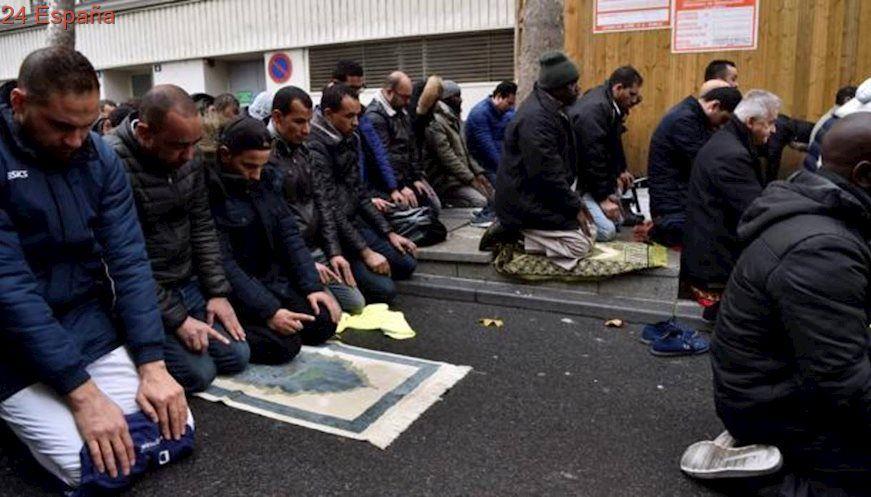 Las oraciones callejeras en Clichy inician una polémica religiosa en Francia