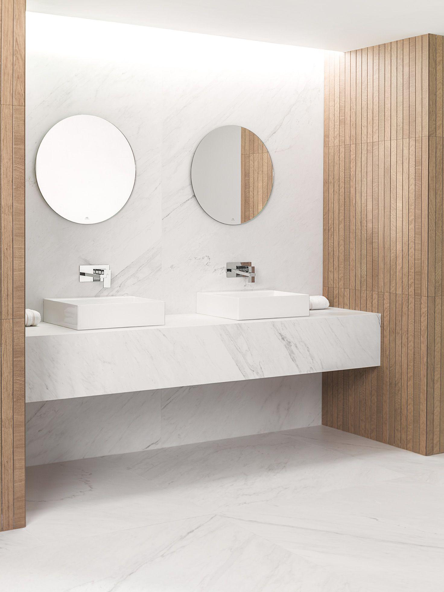 Ver pisos y paredes con calacatta ba o principal for Ver banos reformados