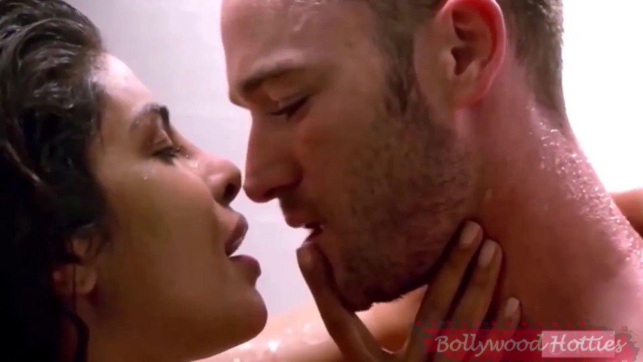 Hot bathroom pictures - Priyanka Chopra Quantico 2 Hot Bathroom Ex Scene Uncensored
