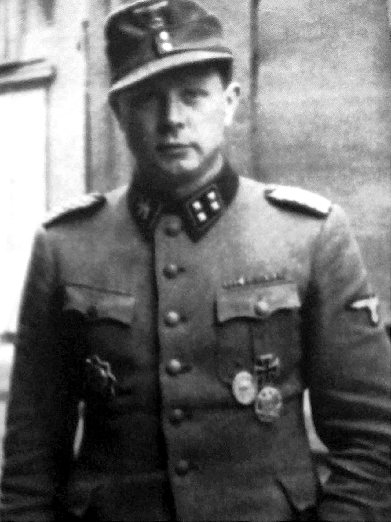 SsSturmbannfhrer Dr Egon Skalka Chief Medical Officer Of The