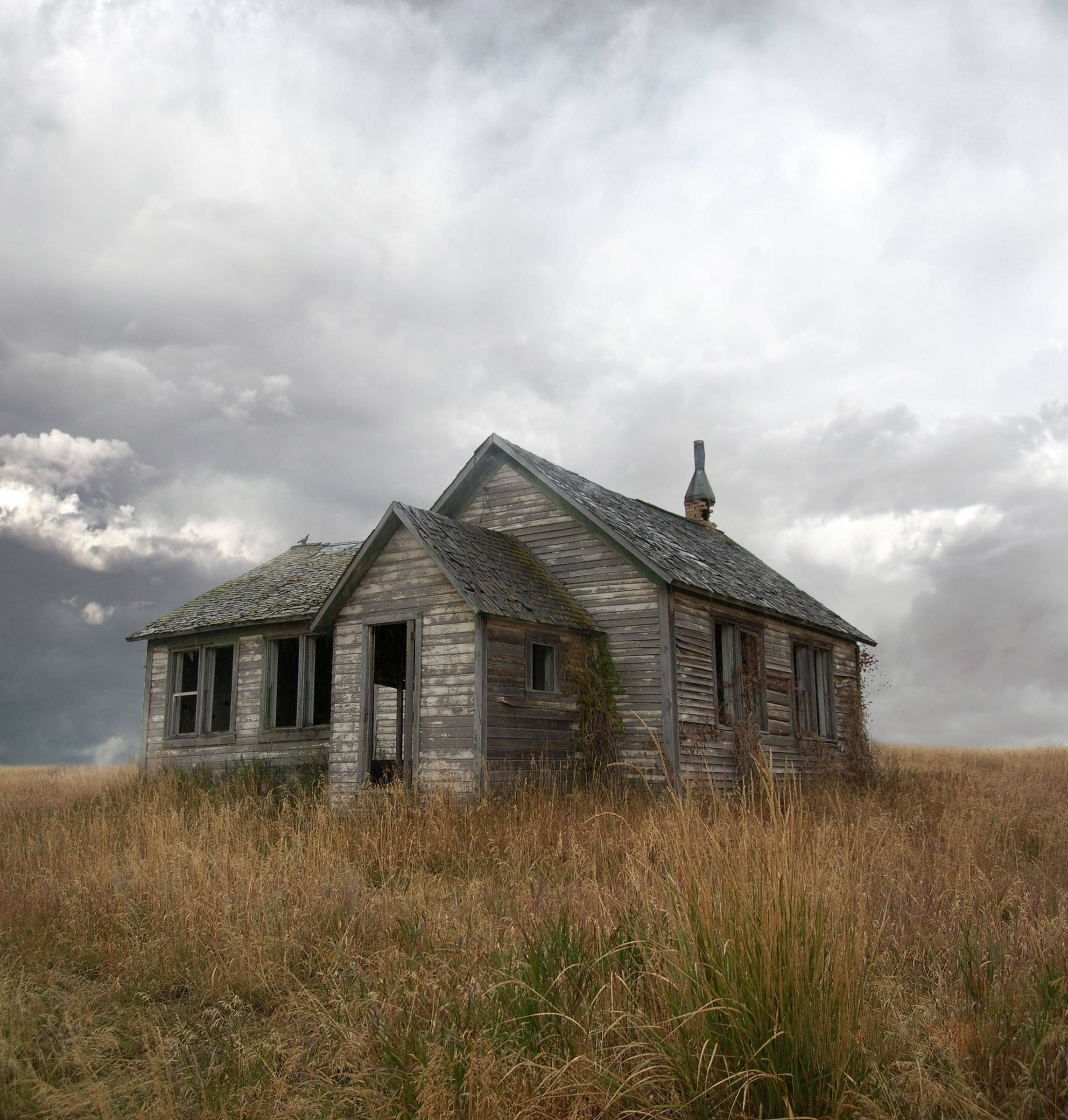 Abandoned house in the middle of nowhere. For highest