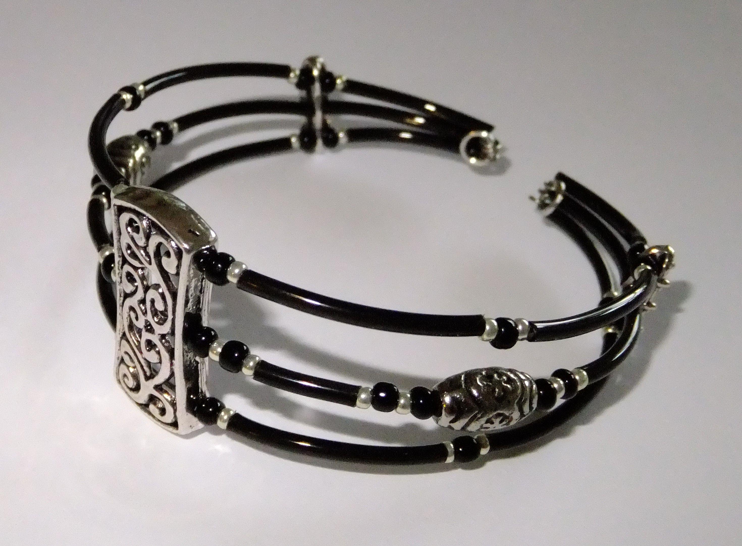 Memory wire bracelet silver and black | Busymitts | Bracelets ...