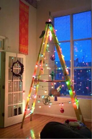 redneck christmas tree lol merry christmas to all and to all a good night - Redneck Christmas Decorations