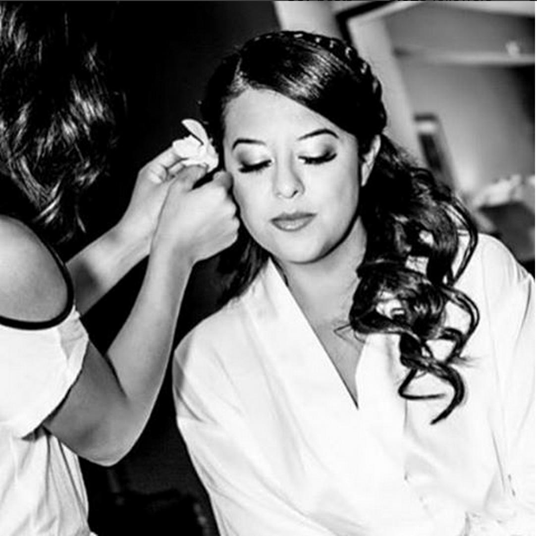 Wedding Entourage Hairstyle: Last Looks! #mobilebridalsalon #makeup #makeupartist