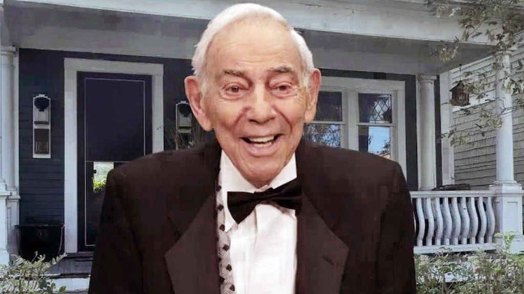 "Herschell Gordon Lewis, the horror filmmaker known as the ""godfather of gore,"" has died at the age of 87."