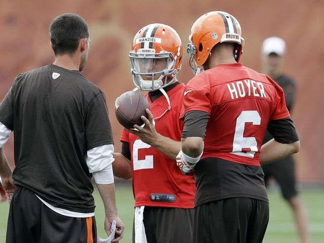 Browns Mike Pettine Qb Brian Hoyer Securely Ahead Of Johnny Manziel Johnny Manziel Cleveland Browns Football Jill Jackson