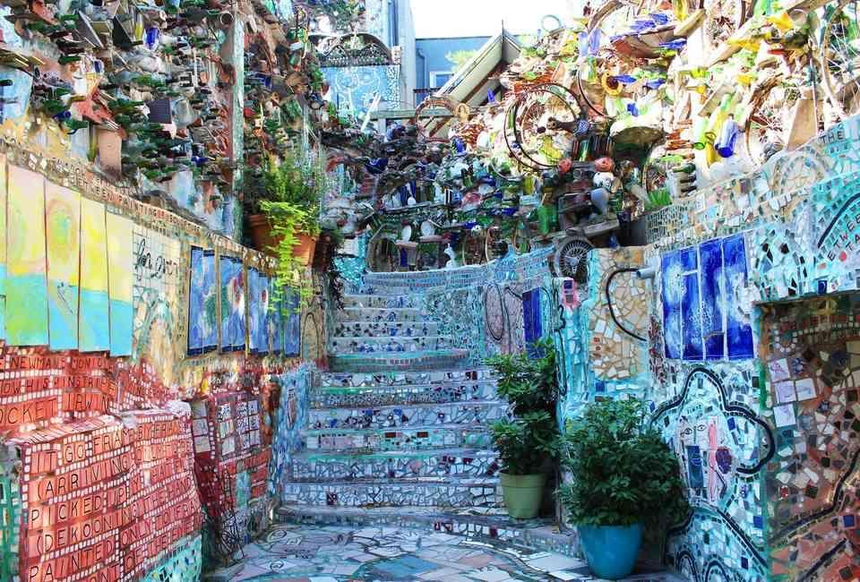Philly Magic Gardens Philadelphia magic gardens, Cool