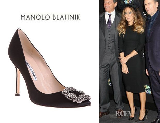 538f1fcac94b 27 Looks with Hangisi Manolo Blahnik. Glamsugar.com the Queen of wearing  Blahniks Sarah Jessica Parker s Manolo Blahnik Hangisi Pumps