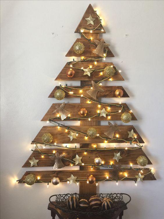 18 Amazing Wooden Christmas Tree Design Ideas #christmastreeideas