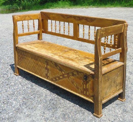 FAUX GRAIN PAINT DECORATED BENCH WITH SPINDLED BACK AND LIFT TOP ...