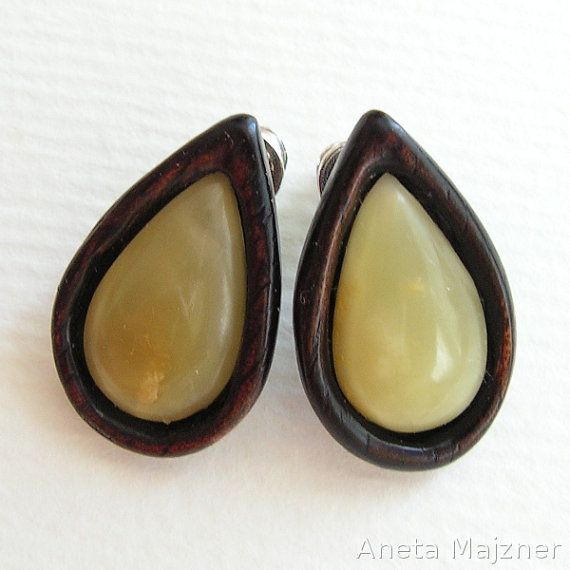 Hand carved wooden earrings with natural baltic by AnetaMajzner, zł59.00