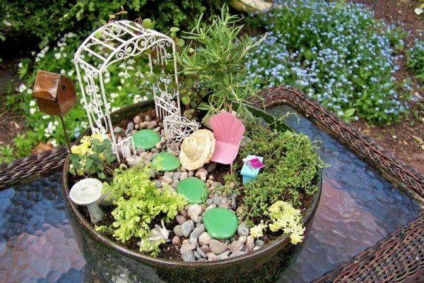 miniatur garten pergola liegestuhl steine | miniaturgarten, Garten dekoo