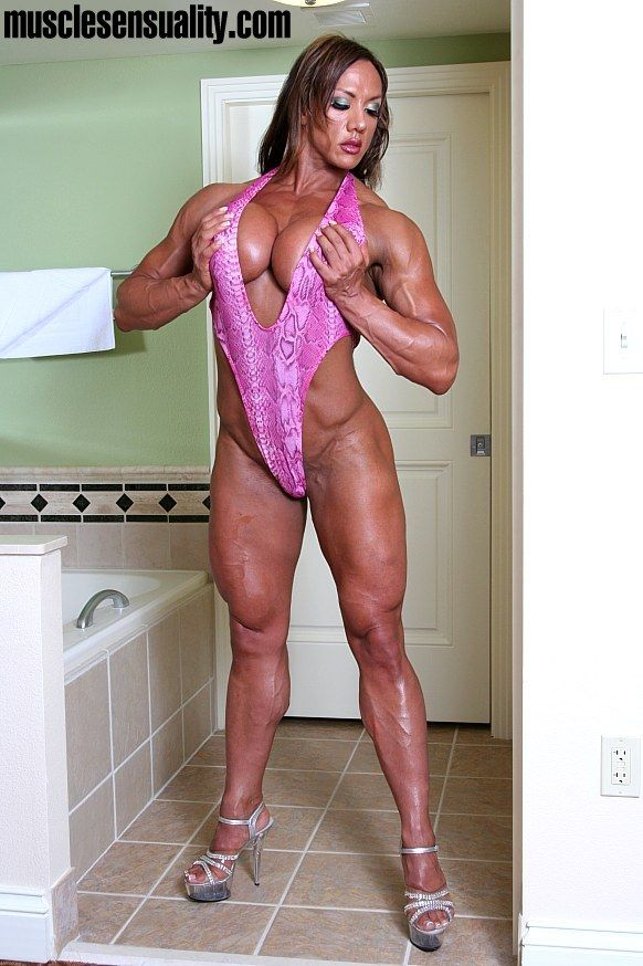 Amber DeLuca | Women beautiful muscles | Pinterest | Amber