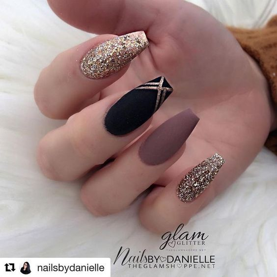 matte nails for fall; simple matte nails;chic nail designs