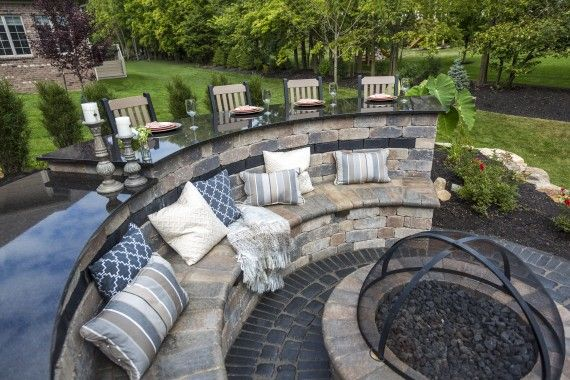 Brussels Dimensional Wall And Fire Pit With Courtstone Accent