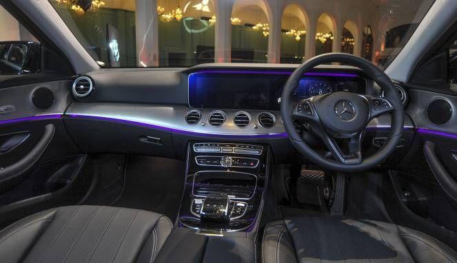 Single Post Mercedes Benz Dan Sendirian