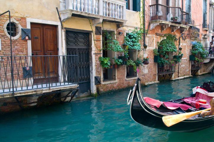 Der Klassiker für Verliebte an Valentinstsag: Venedig! http://www ...