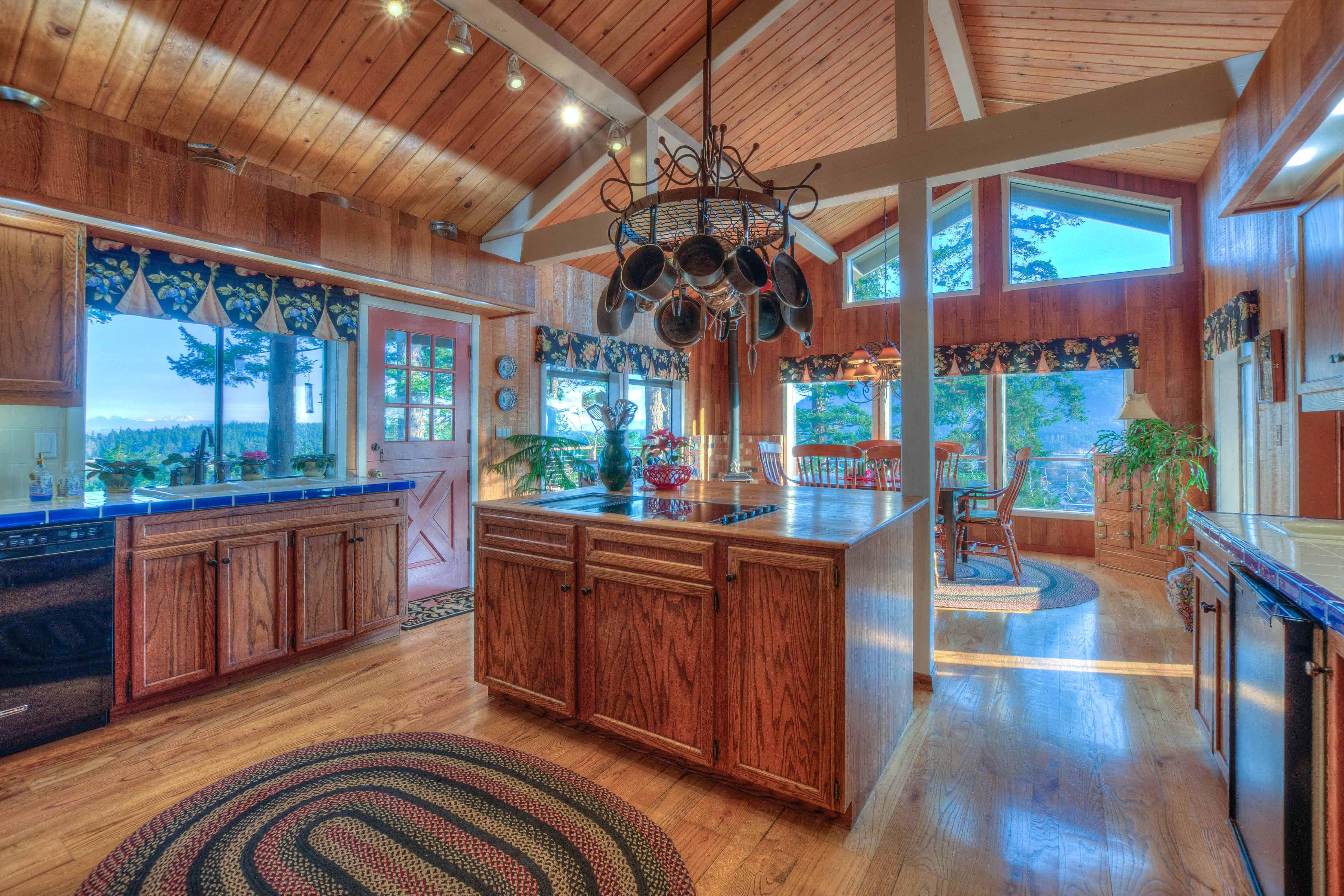 Orcas Island Retreat Long Kitchen Play Houses Design