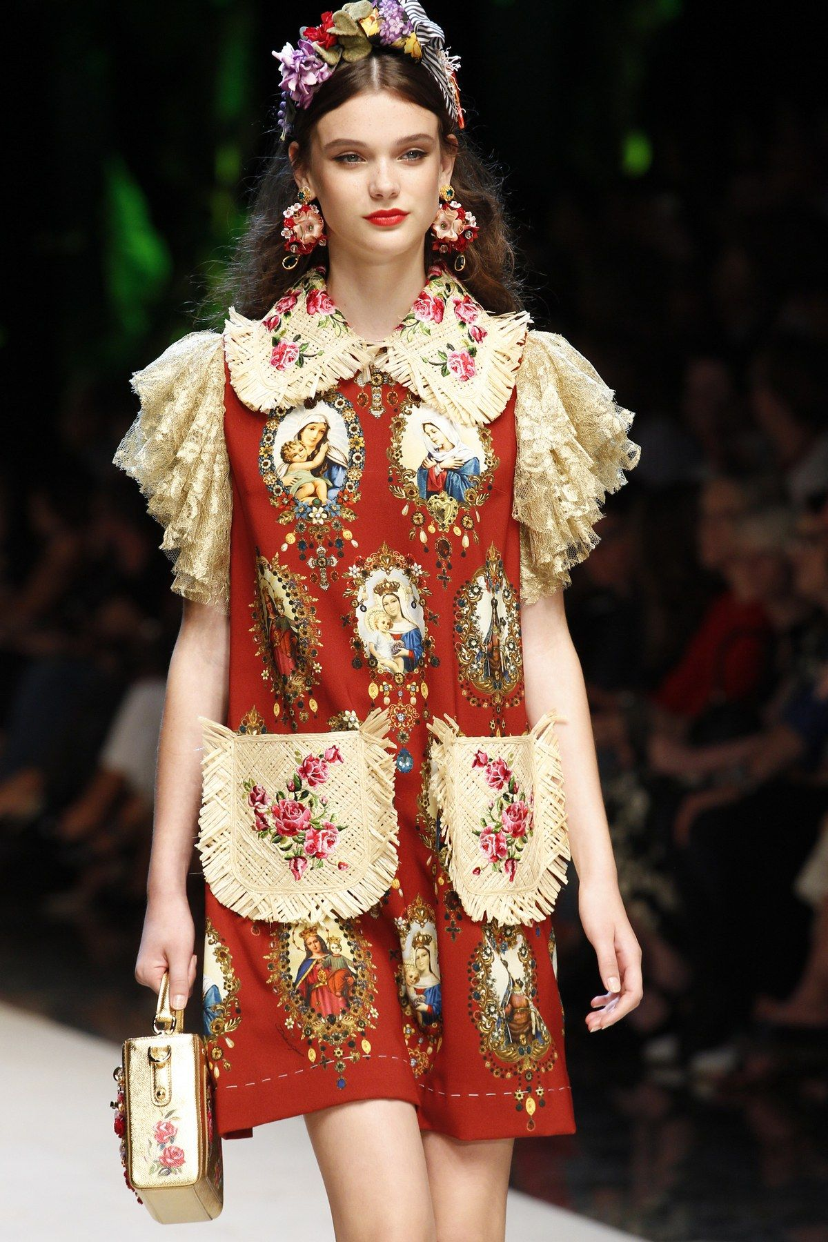 de9ae5317ab Dolce & Gabbana Spring 2017 Ready-to-Wear Fashion Show in 2019 ...