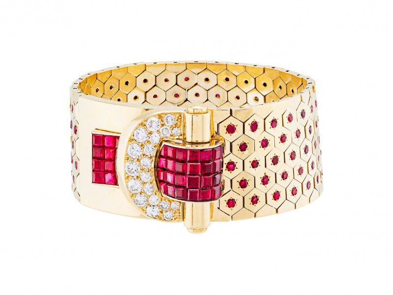 Van Cleef & Arpels - (a) Ludo Hexagone bracelet, with Mystery Set rubies. Heritage collection, Collection 1937