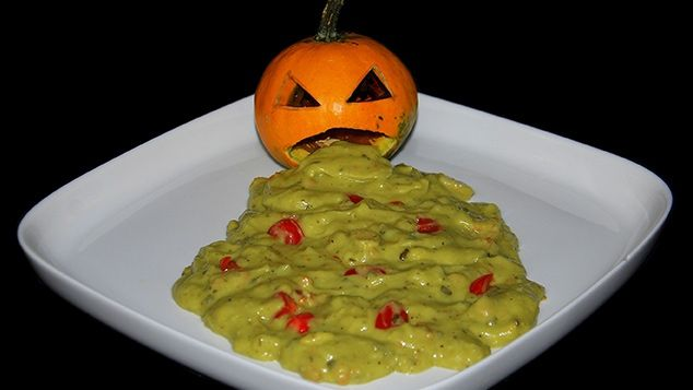guacamole d 39 halloween entr es recettes de cuisine gulli halloween pinterest guacamole. Black Bedroom Furniture Sets. Home Design Ideas