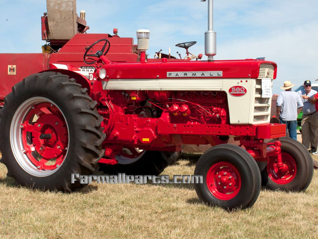 International Harvester Farmall Farmall 560 Diesel Tractors