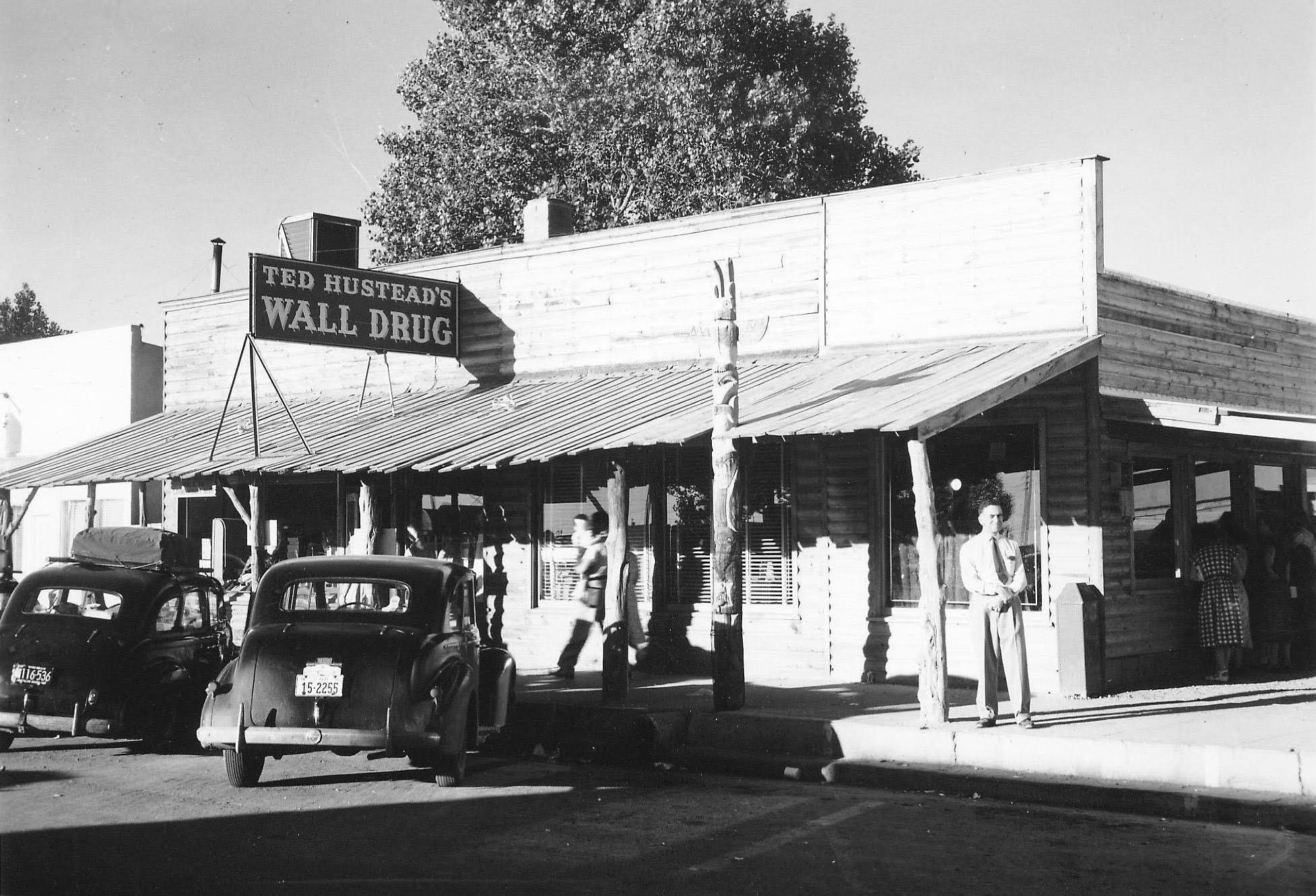 happy 85th birthday to wall drug store the world famous on wall drug south dakota id=57696