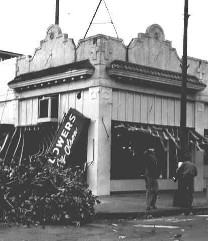 Damage From The 1962 Columbus Day Storm In Salem Oregon 1962 Statesman Journal Newspaper Oregon Outdoors Salem Oregon Oregon Washington