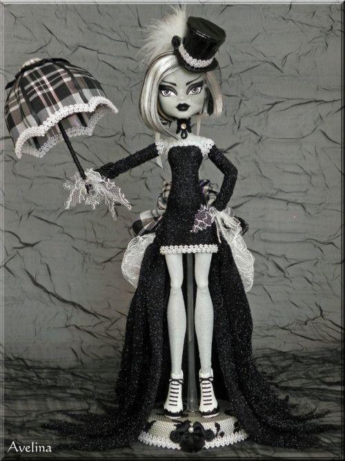 Monster High Frankie Stein Skull Shores Repaint Frankie S