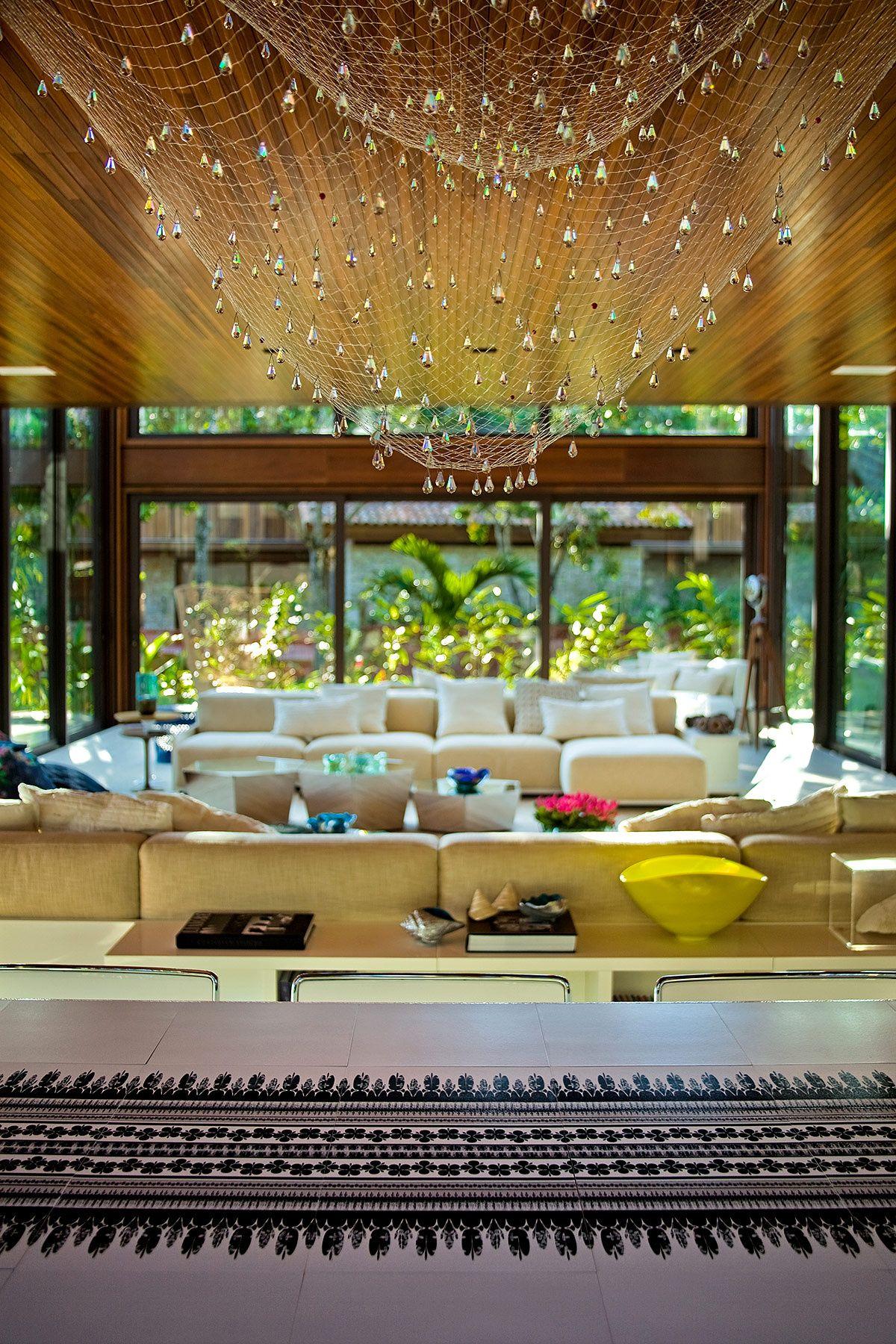 Casa en la playa de Río de Janeiro - Influencias marinas y formas orgánicas dominan el diseño. | Galería de fotos 2 de 7 | AD MX