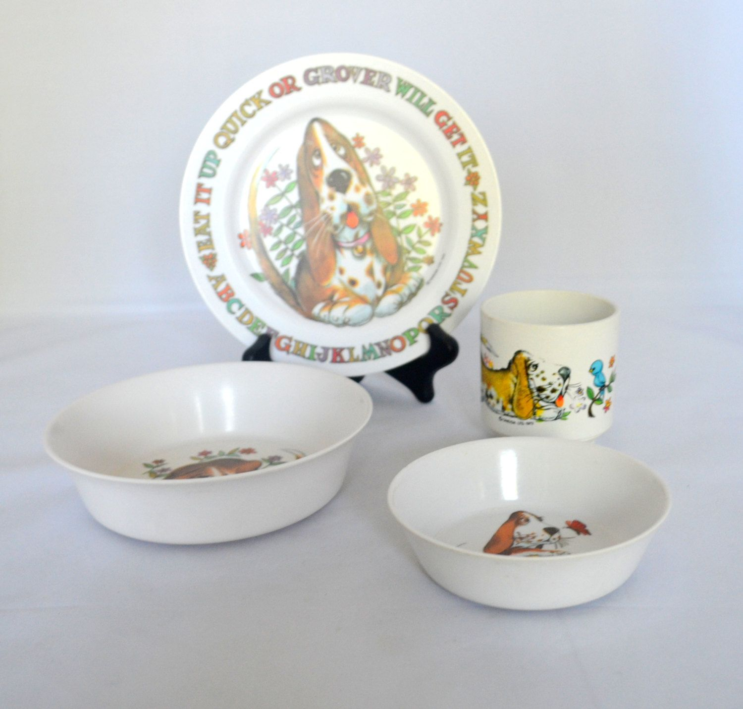 Vintage 1970s Oneida Ware Deluxe Children S Dishes Grover The Dog 4 Piece Set Melamine Cup Plate And Two Bowls By Ups Childrens Dishes Melamine Cups Oneida