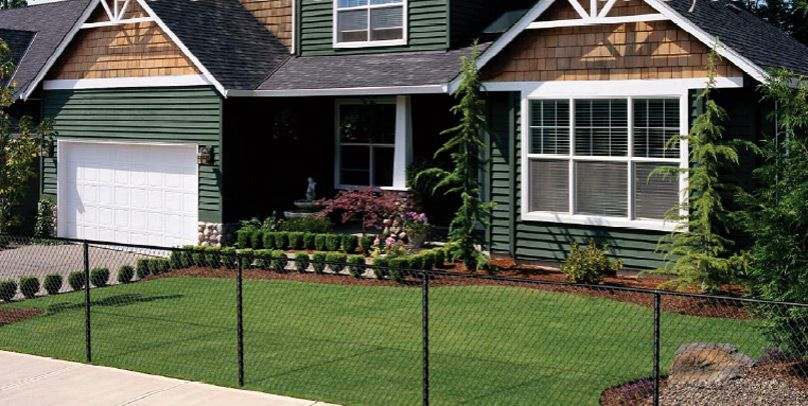 Pin By Mikki Foster On For The Outdoors Black Chain Link Fence Chain Link Fence Backyard Fences