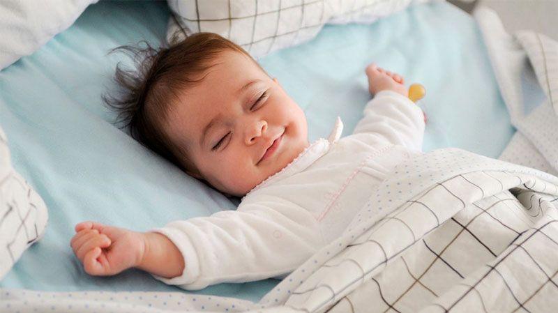 طبيب أسنان كيف اعدل نوم الطفل الرضيع وأوقات نوم الأطفال In 2020 Baby Baby Sleep Beautiful Babies