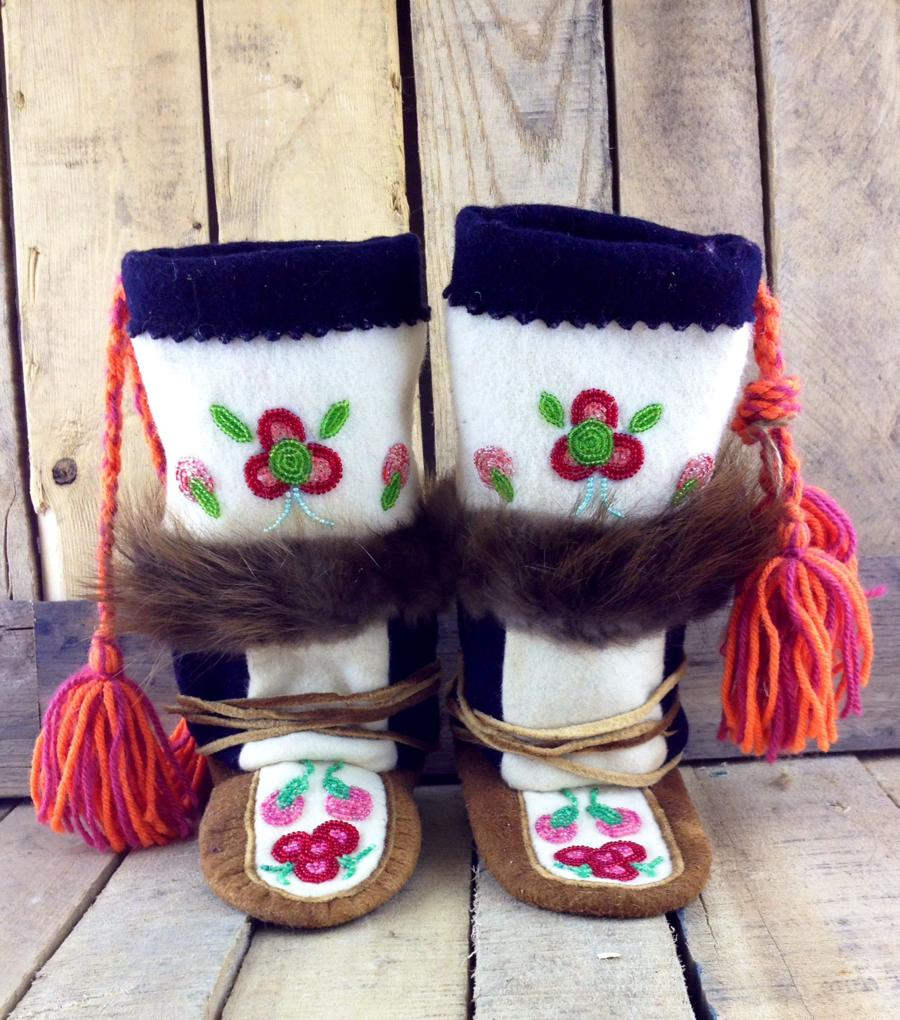 Native Gift Shop Bead work, Handmade, Beaded moccasins
