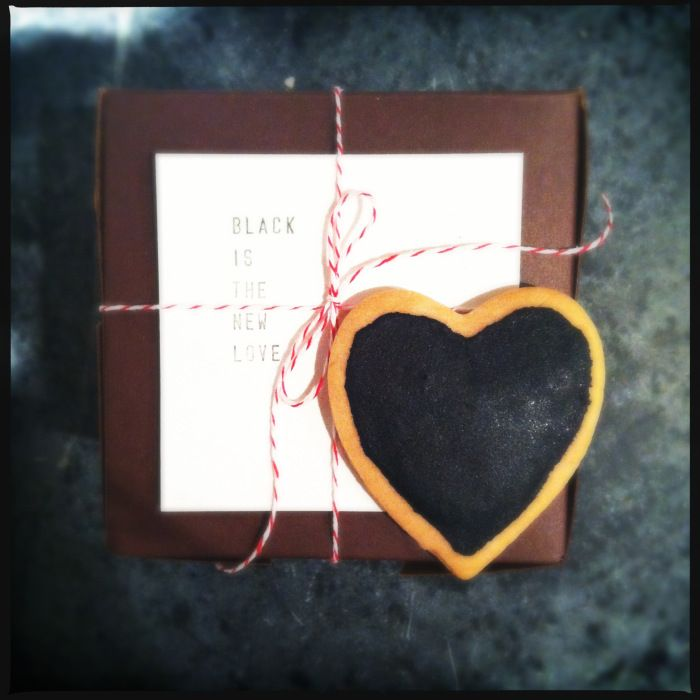 """vegan valentine's day cookie packaging """"black is the new love"""""""