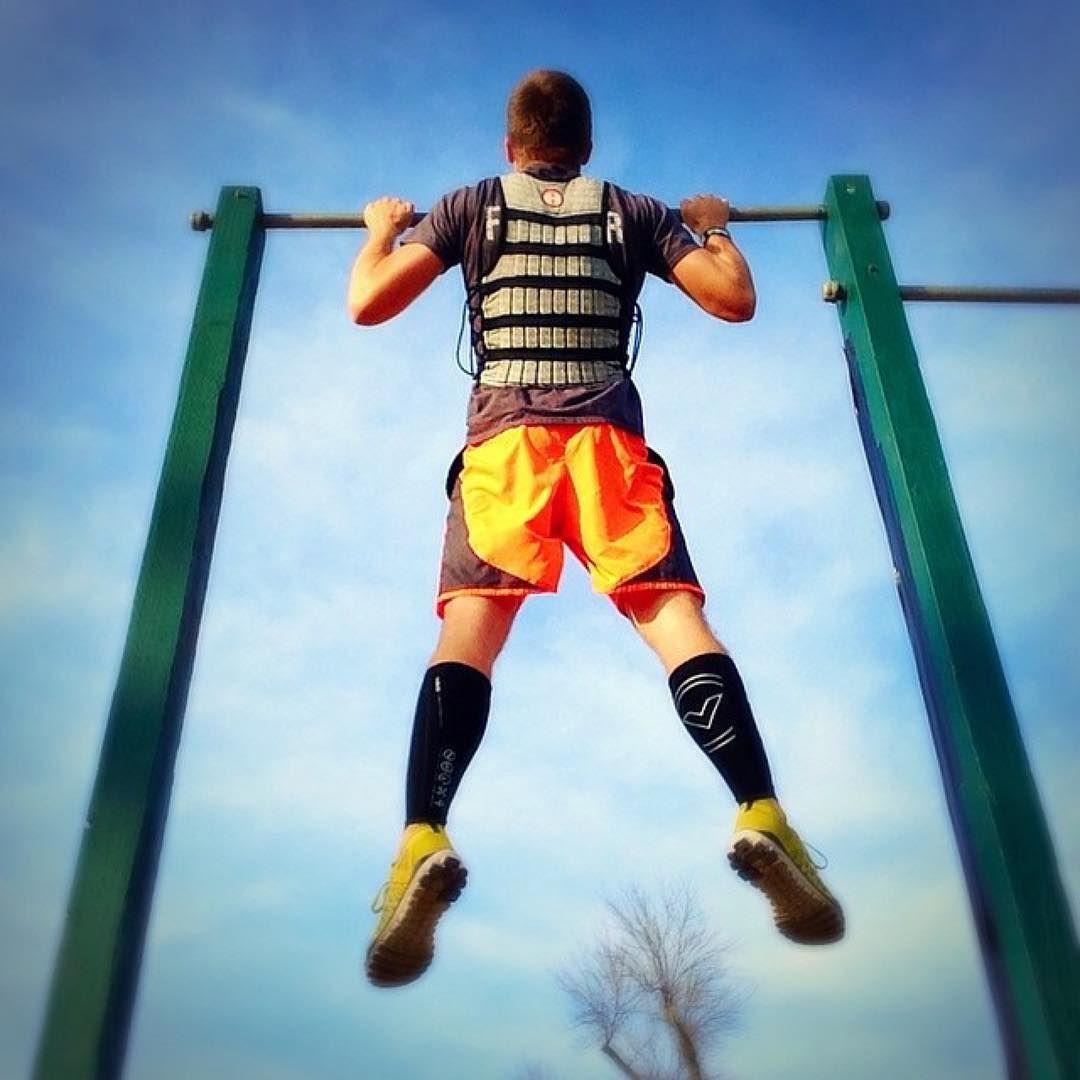 The limit is not in the sky. The limit is in the mind. #Hyperwear #HyperVestPRO #weightvest #weightedvest #weightvesttraining   @break_your_limit