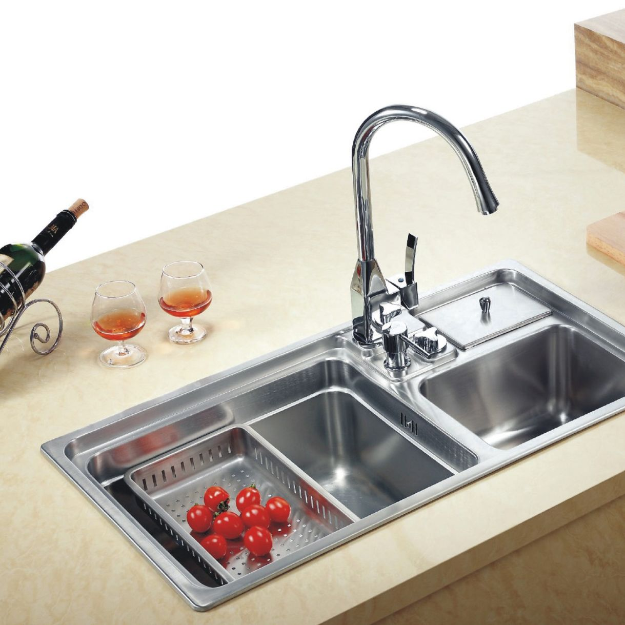 Kitchen Sink With Vegetable Drainage Saves On Colander Storage