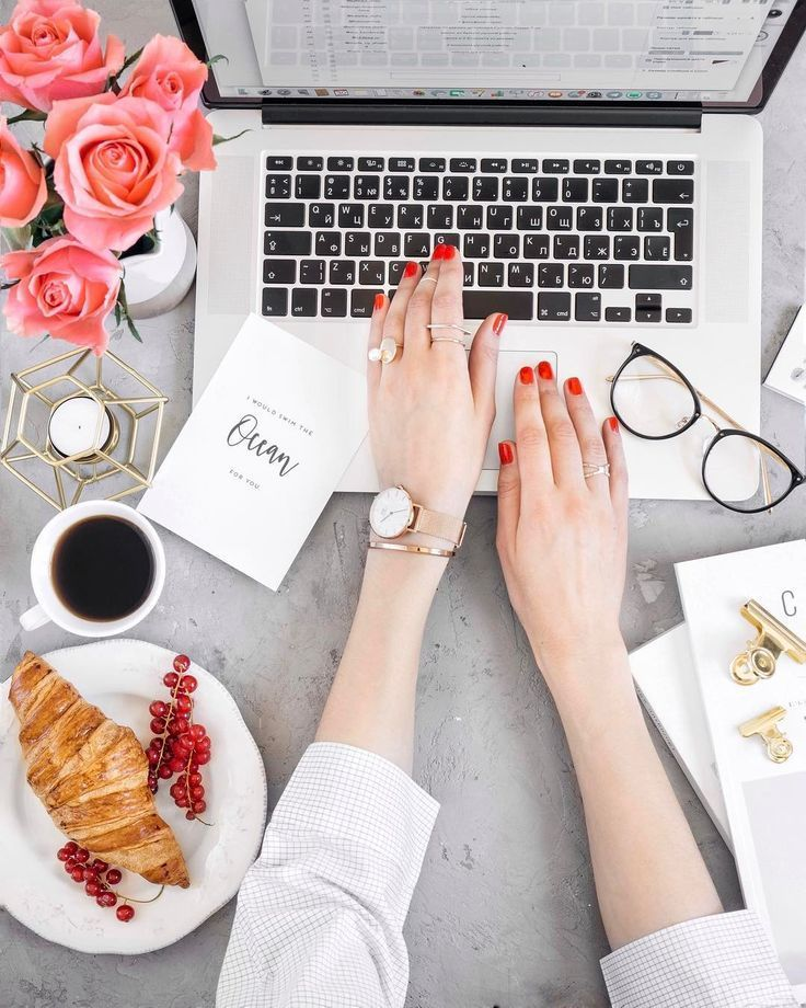 9 Financial Resolutions to Make This Year (and How to Keep Them) #theeverygirl #iphone #tumblr #photography #tips #laptop #flatlay #andcoffee #lifestyle #aesthetics #styling #instagram