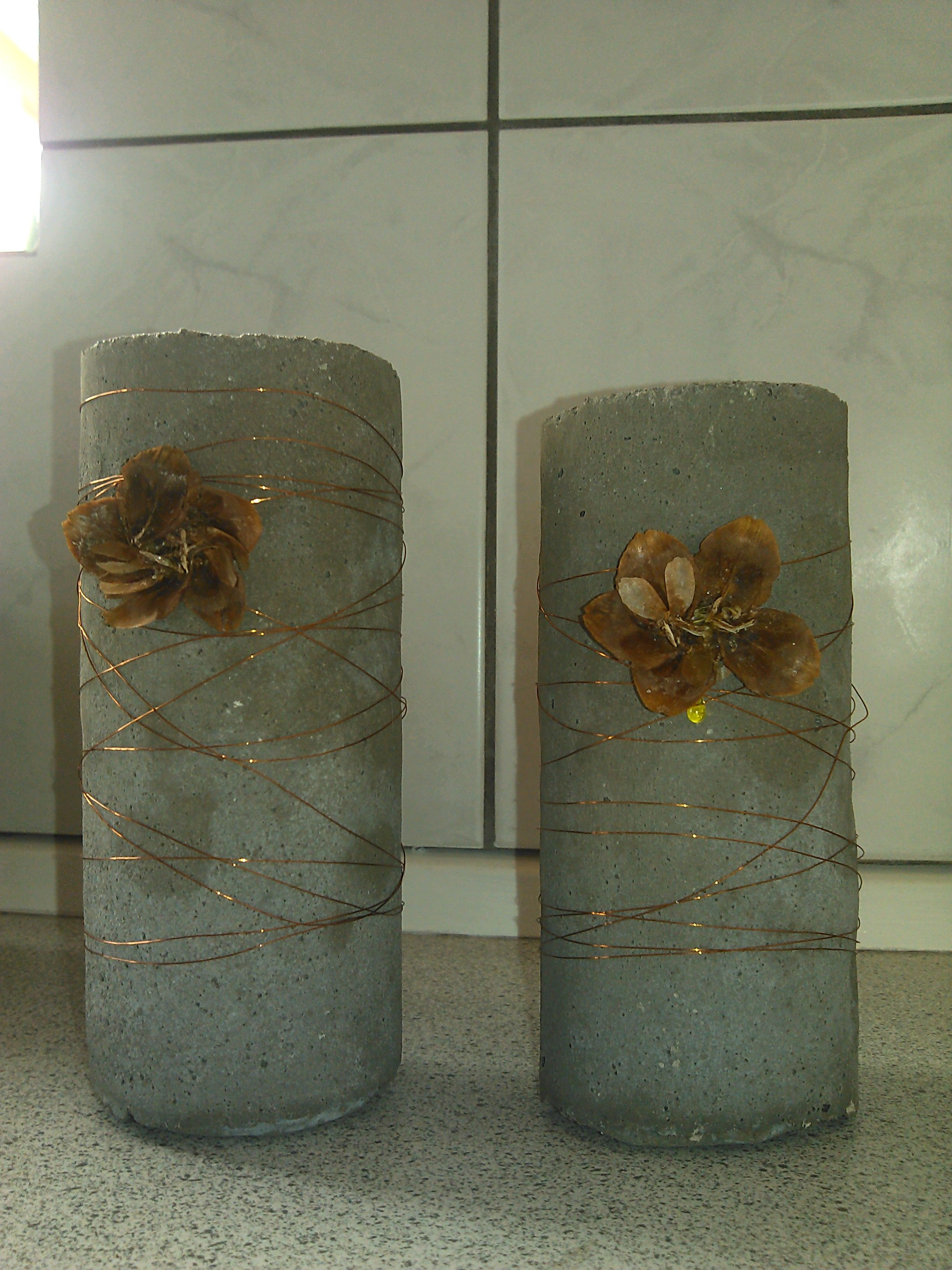 kerzenhalter aus klorollen beton pinterest kerzenhalter deko aus beton und beton basteln. Black Bedroom Furniture Sets. Home Design Ideas