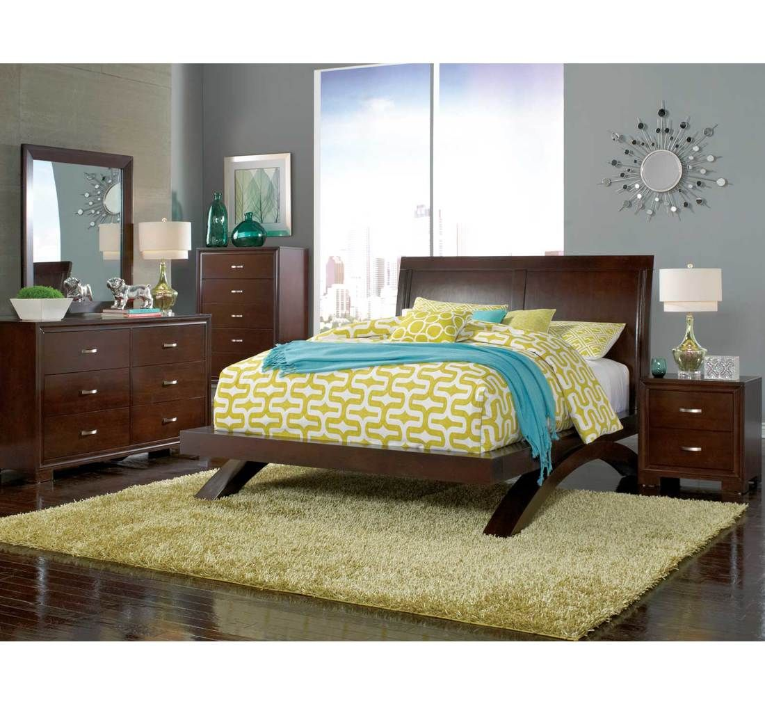 This contemporary bedroom made of solid rubberw... (With
