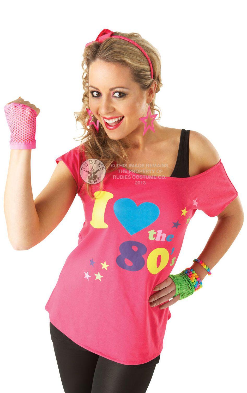 I Love 80 -t-paita. I Love 80 -t-paita ei nyt varsinaisesti ole mikään naamiaisasu, sillä se sopii käytettäväksi vaikka ihan joka päivä.