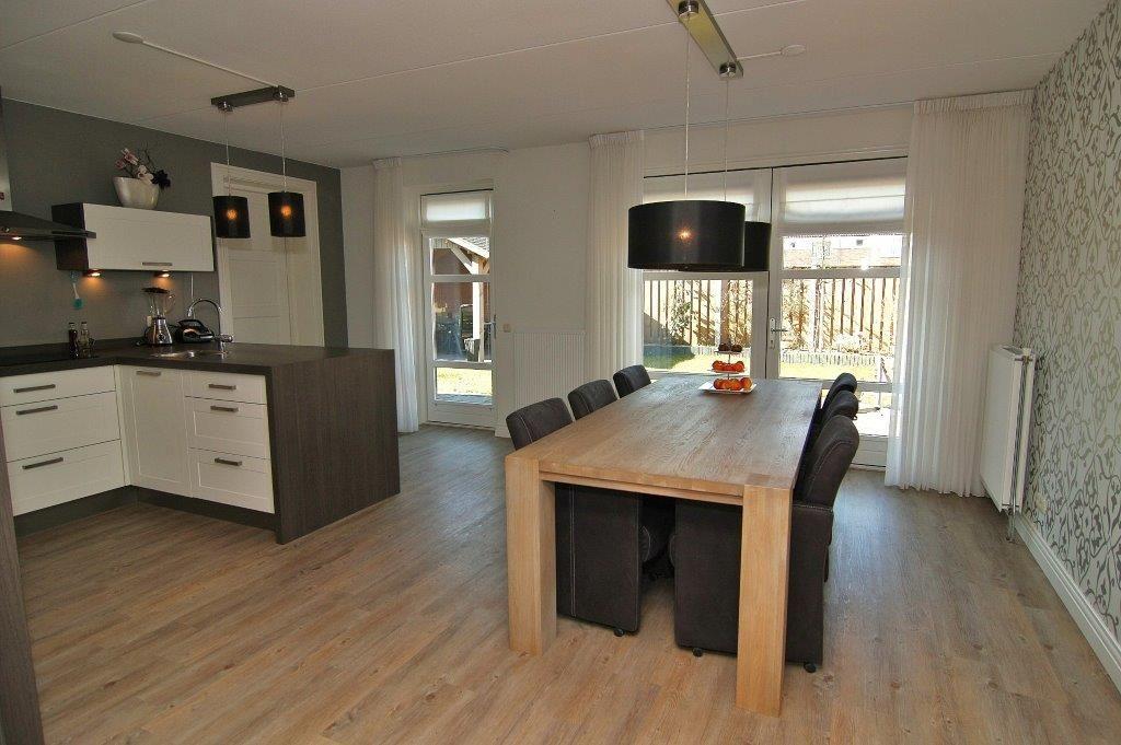 Woonkeuken, leuke indeling met toegang tot garage  bijkeuken   keuken   Pinterest   Met